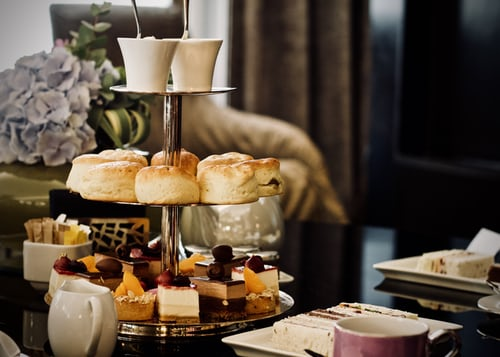 HOW TO MAKE YOUR OWN AFTERNOON TEA AT HOME